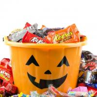 Kroger Halloween Candy and Home Merchandise 50% Off