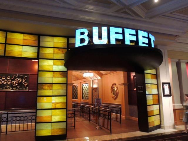 How to Get BOGO at Las Vegas Buffets