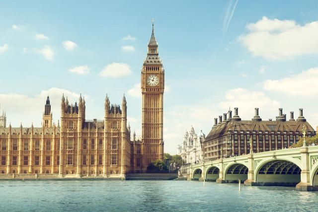 Roundtrip Flight from New Jersey to London for $299